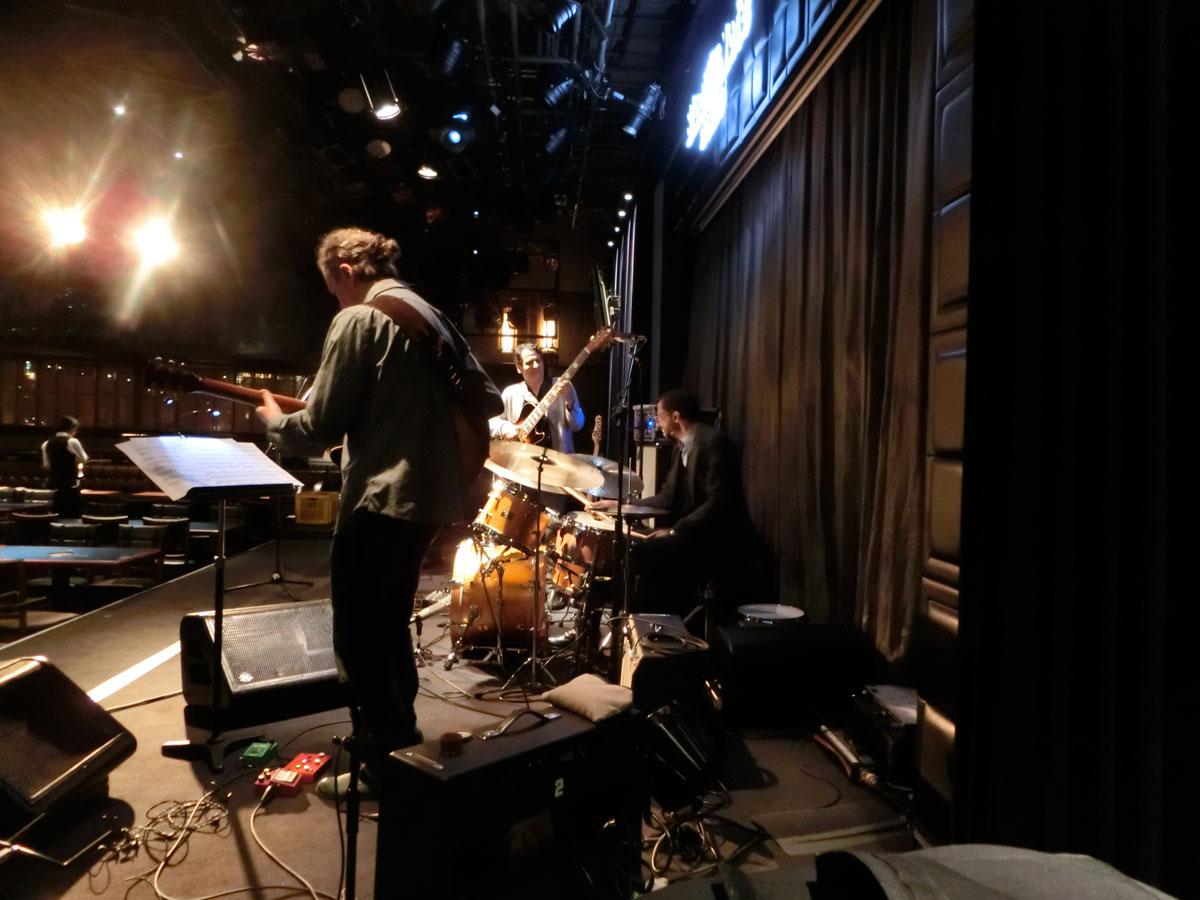 """ブライアン・ブレイド(Brian Baled) ジョン・パティトゥッチ""""エレクトリック・ギター・カルテット(John Patitucci Electric Guitar Quartet)"""