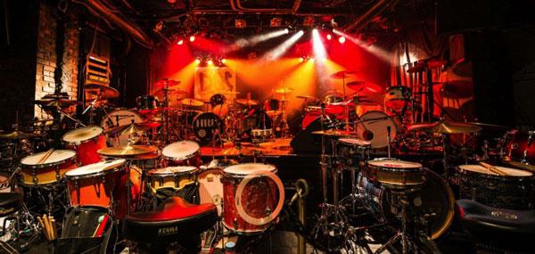 エンドーサー情報:HAZE氏/おかもとなおこ氏/北野愛子氏所属、11台ドラムバンド「DQS」ワンマンライブ&DVDリリースのお知らせ
